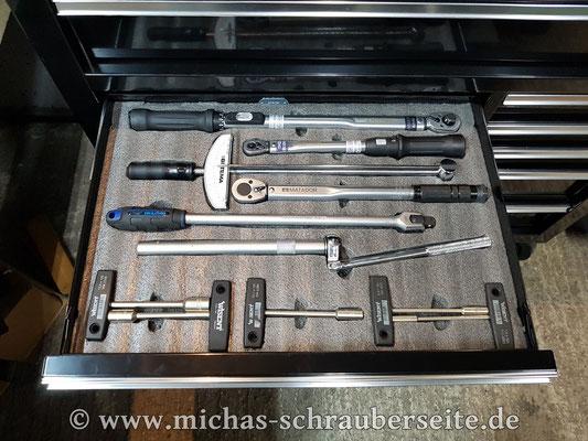 Drehmomentschlüssel, T-Griffe und Zündkerzenwerkzeug