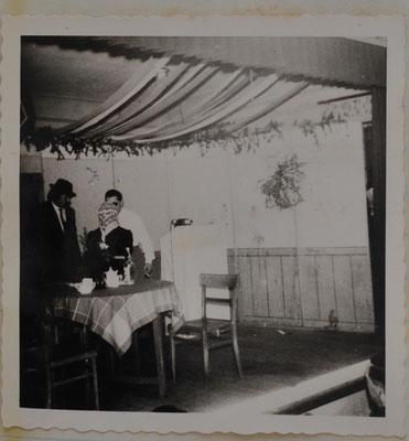 1963: Sängermaskenball