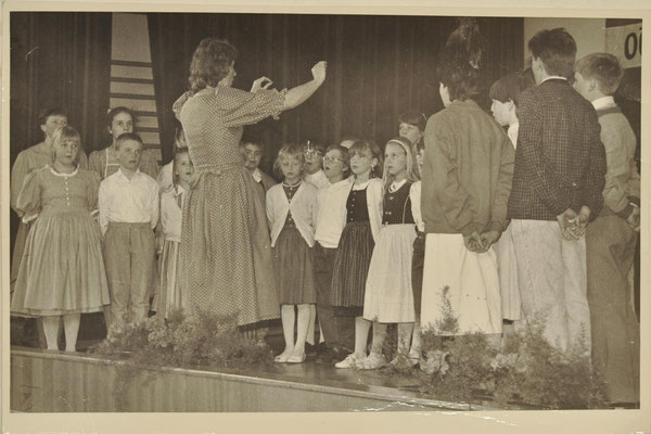 1988: 1. Auswärtsauftritt Kinderchor