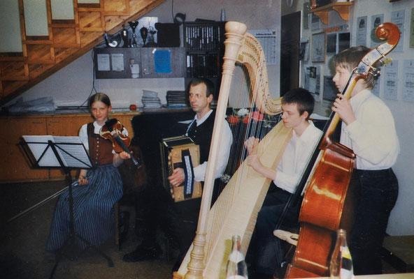 2003: 1. Sängerheuriger- Fam. Schmölzer