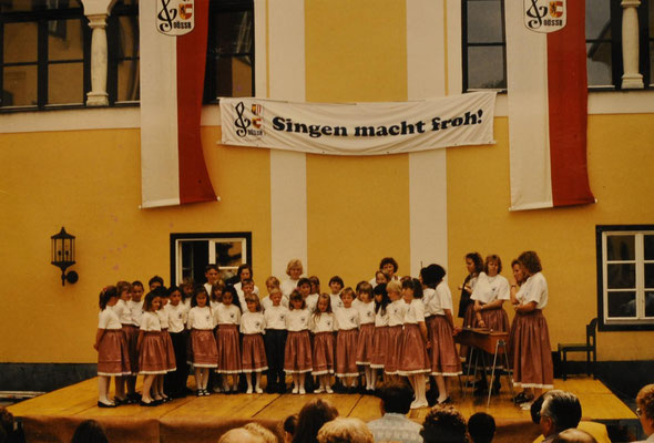 1991: Kinderchor in Altmünster