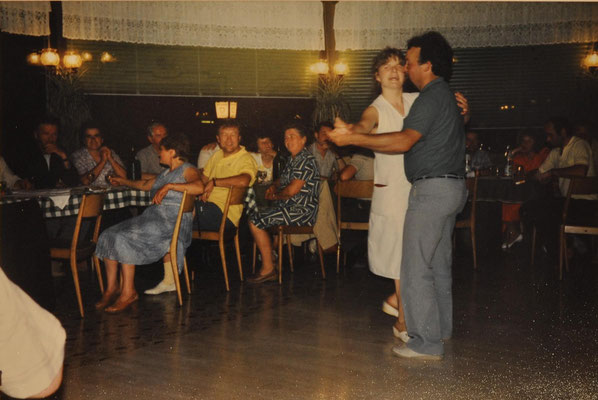 1986: In der Weinschank