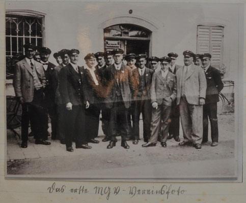 1944: Erstes Vereinsfoto