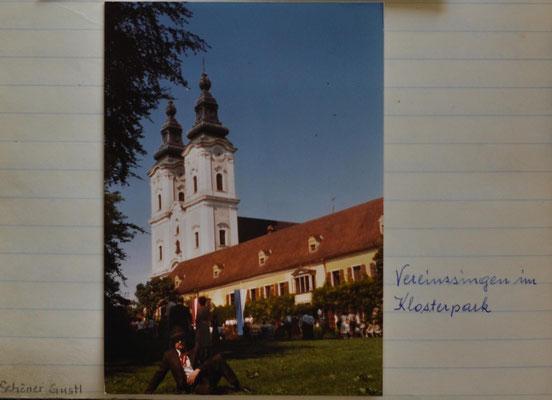 1979: Vereinssingen im Klosterpark