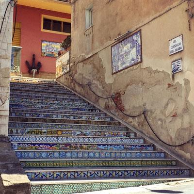 Wunderschöne Mosaikstufen-Kunst