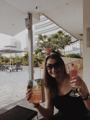 Singapore Sling, entstanden in der Longbar des Raffles Hotel.