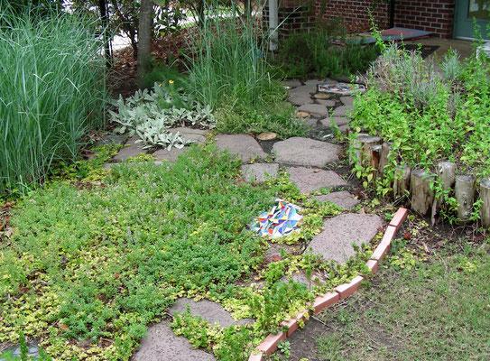 Advice and ideas to design a sensory garden - flowerpotman landscape ...