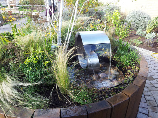 Help and ideas to design a sensory garden flowerpotman for Garden design for disabled