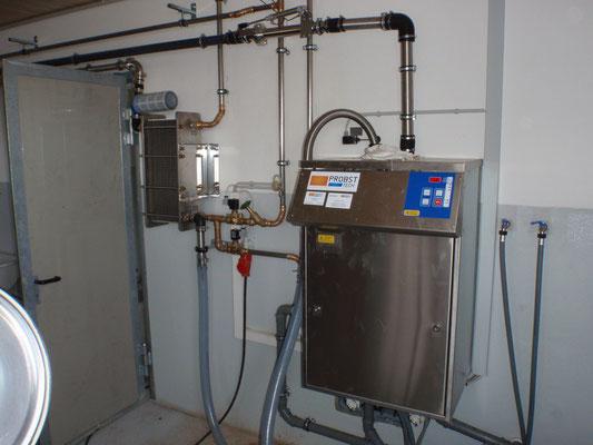 Großer Reinigungsautomat für effiziente Melkstandreinigung