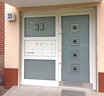 Neugestaltung von Mehrfamilien-Hauseingängen in Düsseldorf, NRW mit PSP-Ganzglasfüllungen