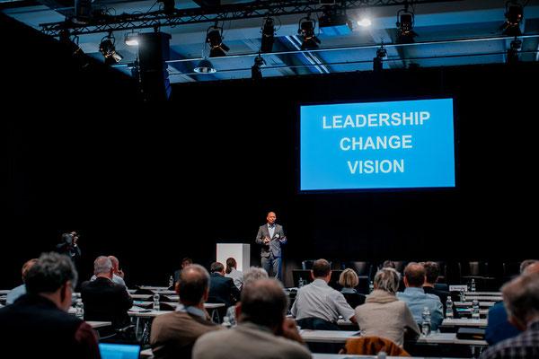 Anton Dörig: Top-Speaker / Autor für Leadership & Management!  // Anton Doerig: Keynote Speaker for Leadership & Management!