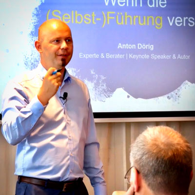 Keynote Speaker / Redner Anton Dörig an einer internationalen Veranstaltung in Deutschland