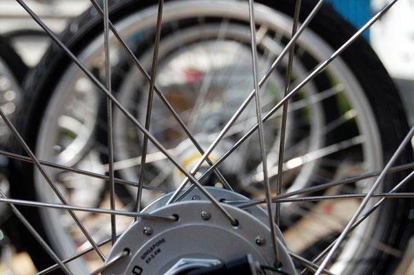 """die Räder warten auf ein """"los gehts"""" - Foto Christian Burmeister"""