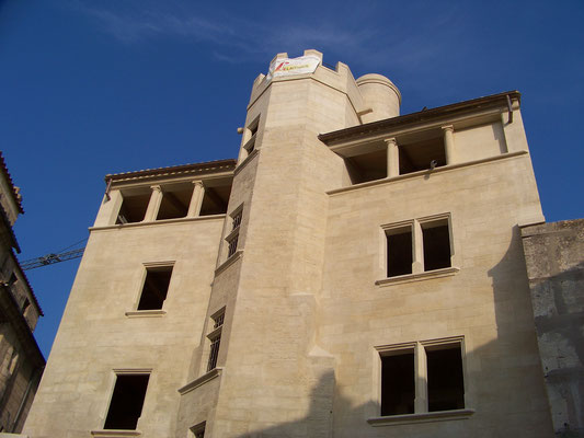 Hôtel de la Monnaie, Uzès (30) - Restauration de la façade, restitution du haut de la tour octogonale et création d'une tourelle d'escalier