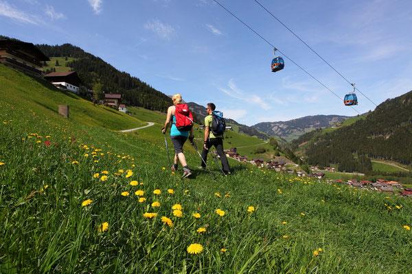 Grossarler Bergbahnen führen ins Wandergebiet - © www.grossarltal.info
