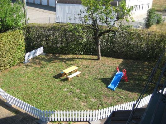 Abgetrennter Kleinkinder Spielplatz