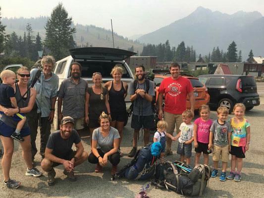 ...18 Leute (3 nicht im Foto), 2 Autos und 3,5 Std. zum Snoqualmie Pass