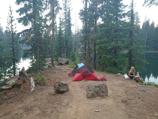 Moskitocamp auf einer Landzunge im Dumpbell Lake
