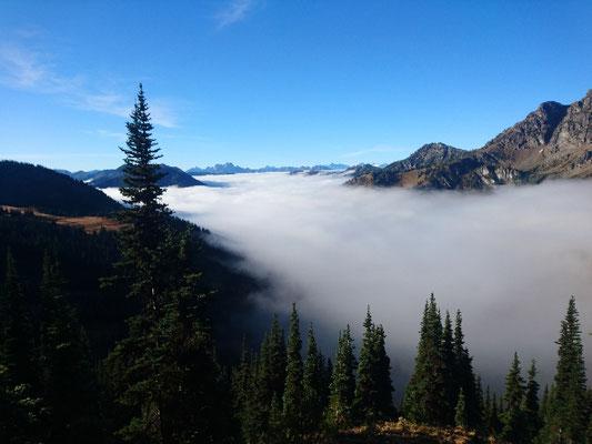 Morgens über den Wolken... Letzter großer Aufstieg vor Kanada
