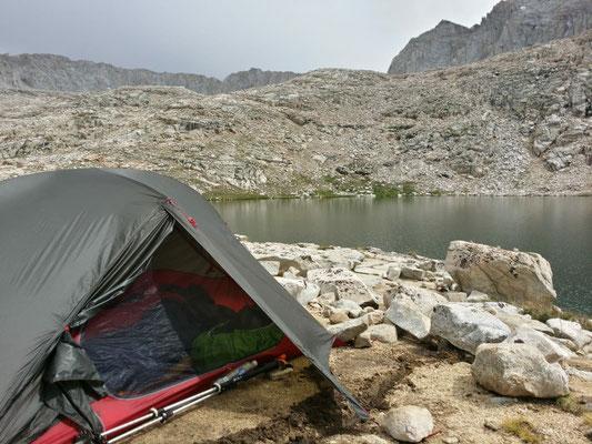 Camp am Guitar Lake