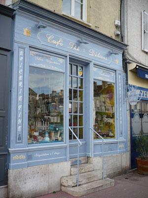 Patine vieillie et ornementation-boutique de café et de thé-Nemours