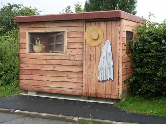 """Trompe l'oeil """"la cabane du jardinier"""" sur bâtiment technique-Seine et Marne"""