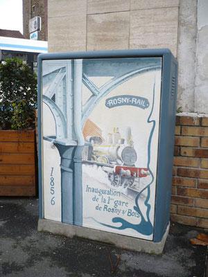 """Illustration peinte sur édicule technique""""la gare de Rosny""""- Rosny sous Bois"""