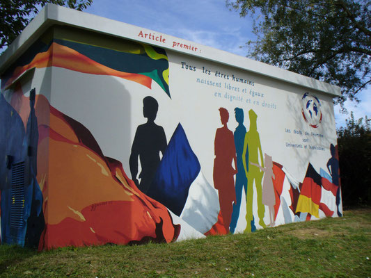 Décor mural-thème les droits de l'homme- bâtiment technique