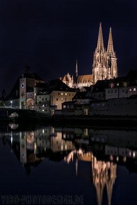Regensburger Dom + Steinerne Brücke.