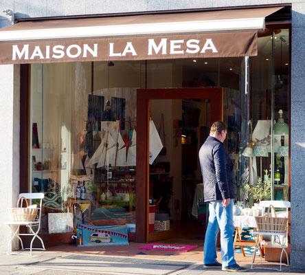 """Maison la Mesa""; Düsseldorf Oberkassel; fotokunst. digitalART; Carolin Wolfram von Wolmar; digitale Fotokunst kaufen; Limitierte Editionen"