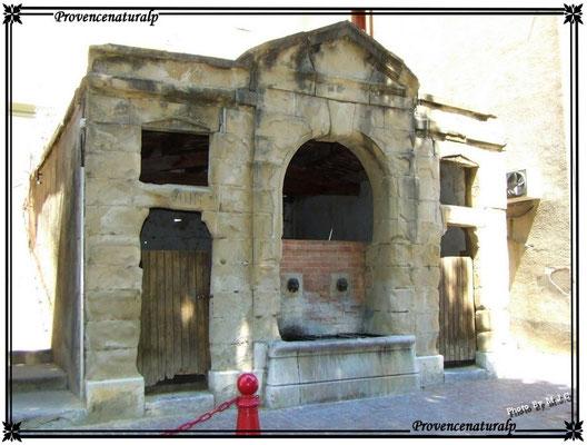 Digne-les-Bains (le vieux lavoire)