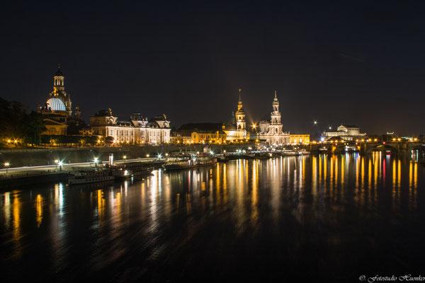 Dresden vom anderen Ufer der Elbe aus