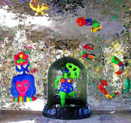 Hannover: Grotte von Niki de Sain Phalle