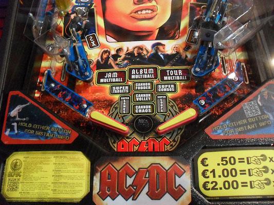 """""""AC-DC"""" von Stern"""