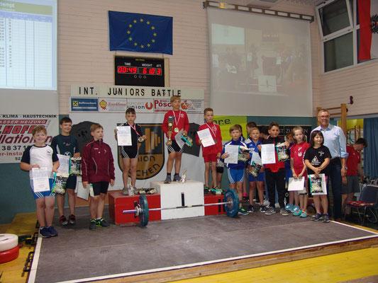 Siegerehrung U11 mit Stöckl Josef (KSV-Rum)