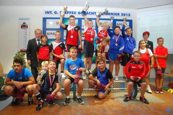 Siegerehrung für Schneider Hannes und Uran Maximilian (KSV-Rum)