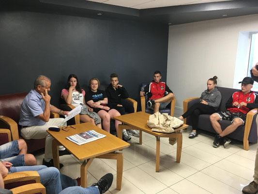 Besprechnung mit Nationaltrainer Lechner Hans