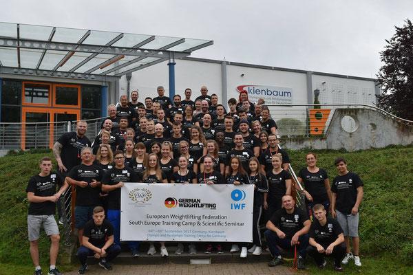 Teilnehmer(innen) beim EWF Trainingscamp in Kienbaum (Lamparter Anna)