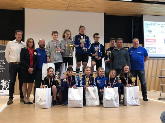 Gruppenphoto Siegerehrung Tiroler Schüler-u Jugendmeisterschaft 2020