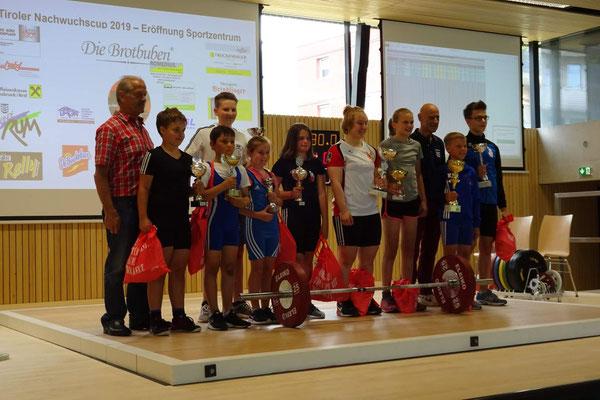 Siegerehrung 3. Runde Tiroler Schüler-u. Jugendcup mit Bürgermeister Kopp Edgar & Nationaltrainer Lechner Hans