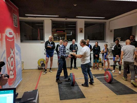 Ehrung Heiss Manfred für 30-Jahre Mitgliedschaft beim AK-Innsbruck