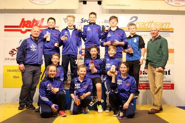 Teilnehmer 1. Runde Schüler-u. Jugendcup mit Präsident Steiner Harald und Kreisser Hans