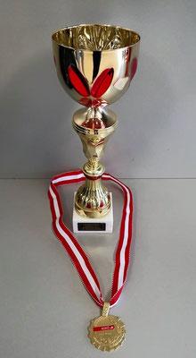 Pokal und Medaille bei der ASKÖ-Meisterschaft