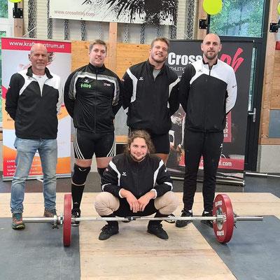 Mannschaftsphoto (WKG AK Innsbruck/USC Dornbirn) & Obmann Klingler Herbert (AK Innsbruck)