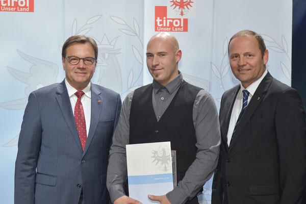 Auszeichnung Ehrlenbach Martin (KSC Bad Häring/Kufstein) vertreten durch Unterladstätter Norbert