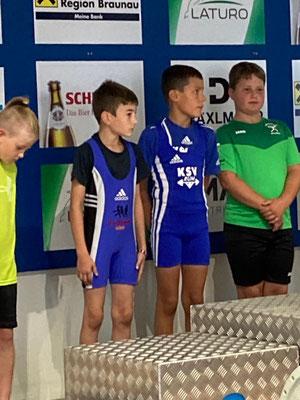 Aufmarsch Schüler U9 mit Posch Andreas und Hofer Benjamin (KSV-Rum)
