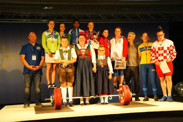 Gruppenbild & Siegerehrung Gruppe 6 (U20 - Frauen)