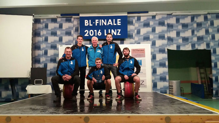 Mannschaft KSC Bad Häring/Kufstein mit Obmann Einberger Kurt