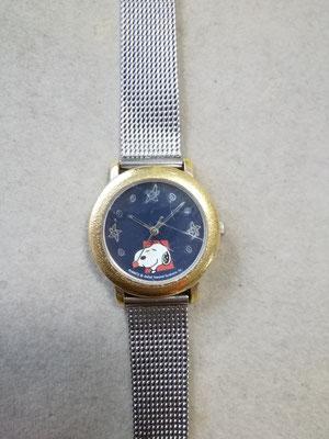 作業前のスヌーピーキャラクター腕時計。