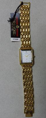 時計にタグが付いています。